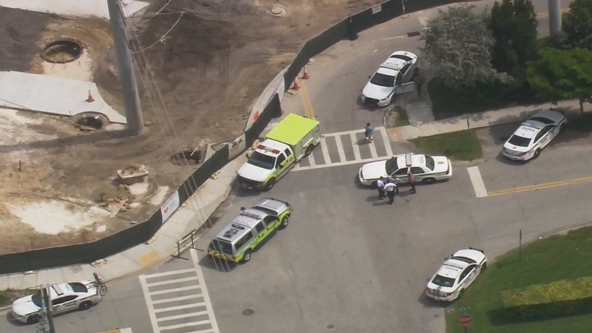 #BREAKING Active shooter situation now reported at Nicklaus Children's Hospital https://t.co/3GLTb2TrnU https://t.co/HT1EJtSH95