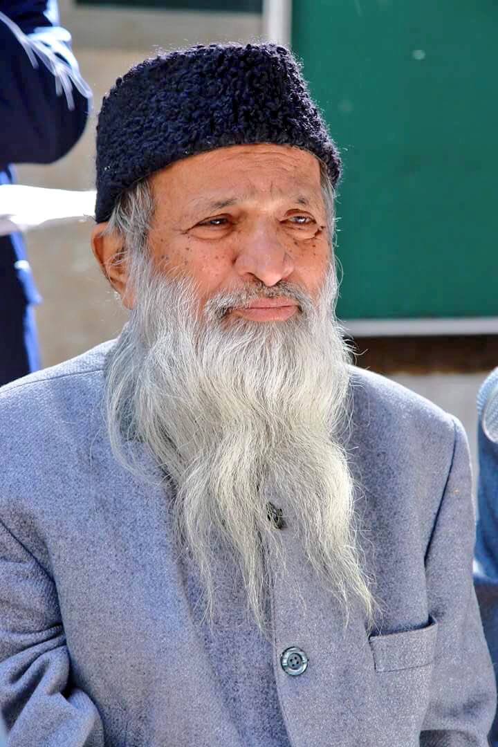 You changed our lives. I thank you for that sir. RIP the noble Abdul Sattar Edhi ji. https://t.co/RxDEFfEfVU