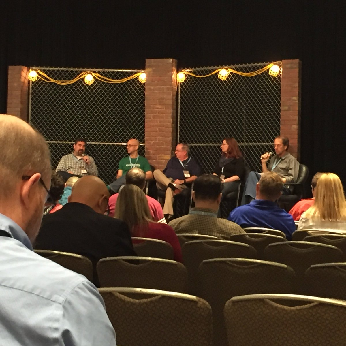 State of Podcasting panel with @podcast411 from @libsyn, Rob from @spreaker, @blubrry etc #pm16 https://t.co/Nx42wl7qyP
