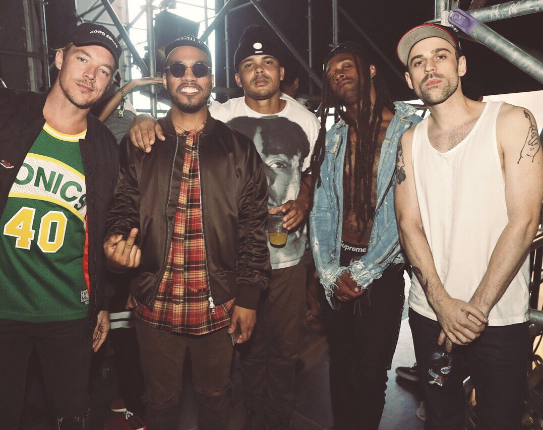 RT @MAJORLAZER: STARTING 5. TIME TO BALL https://t.co/fNYbnXeAw5
