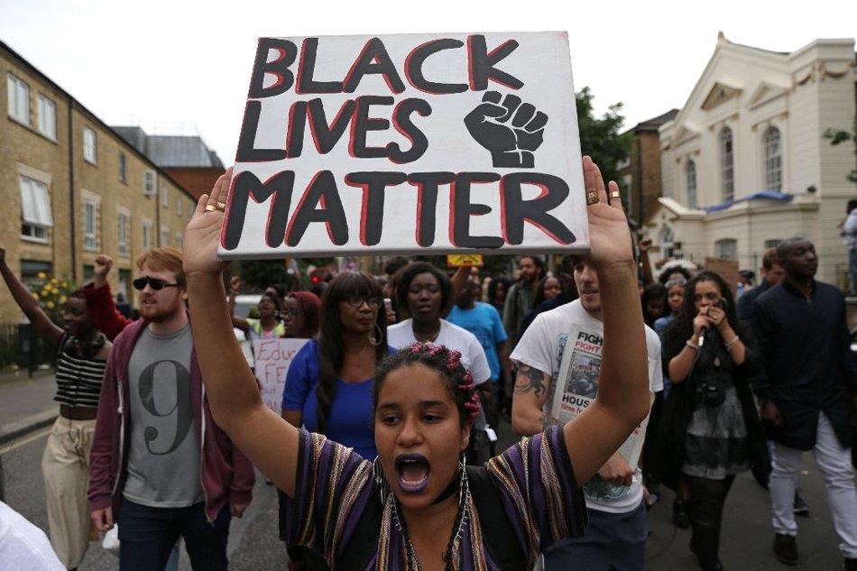 Hundreds join 'Black Lives Matter' protest in London https://t.co/N9s0CjJLQf