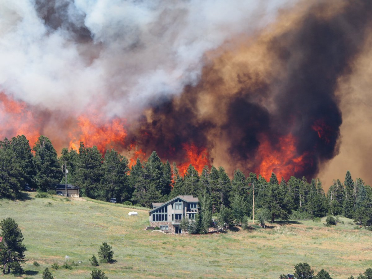 Sending out prayers & positive energy 2 all #FireFighters helping to put out  #NedFire #Nederland (