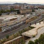 Operación de @guardiacivil por los sobrecostes del AVE. Registros en Adif en Barcelona https://t.co/7l4FZfJYZB https://t.co/4JPmj1wCM2