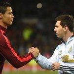"""CR7: """"Fallar un penalti no te hace mal jugador, me duele ver a Messi entre lágrimas"""" Rivales si, enemigos no. https://t.co/EbxDYj7v5p"""