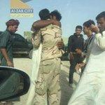 اخوة لم يلتقيا منذ عامين بسبب حصار #داعش على #الشرقاط احدهما كان مُحتجز في قريته والاخر جندي في #الجيش_العراقي https://t.co/Cz1dspuSaR