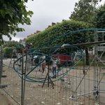 RT@StephanePajot44 Cours Cambronne à #Nantes montage dune oeuvre en cours pour le Voyage a #Nantes #LVAN https://t.co/2BSVhGq53p