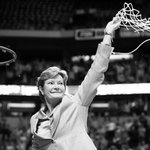RIP Coach Pat Summitt. You won at life. Cut down the net. https://t.co/92SpTTVMx6 https://t.co/aUzP5VWWRF