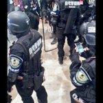 警「Twitterに写真ツイートしてもいいですか?」 #警察に言われたこと https://t.co/gFIqTb3jSD
