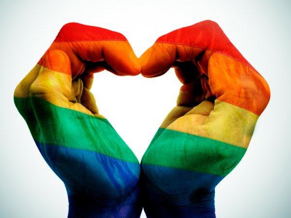 Sí al amor. Sí al respeto. Sí a la igualdad #OrgulloLGBT https://t.co/ClAp61MXge