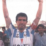 Juanito emocionado se despide de su afición, la de su tierra, #MÁLAGA #LaRosaleda #TalDiaComoHoy 28/06/1989. https://t.co/I09eK6i3L3