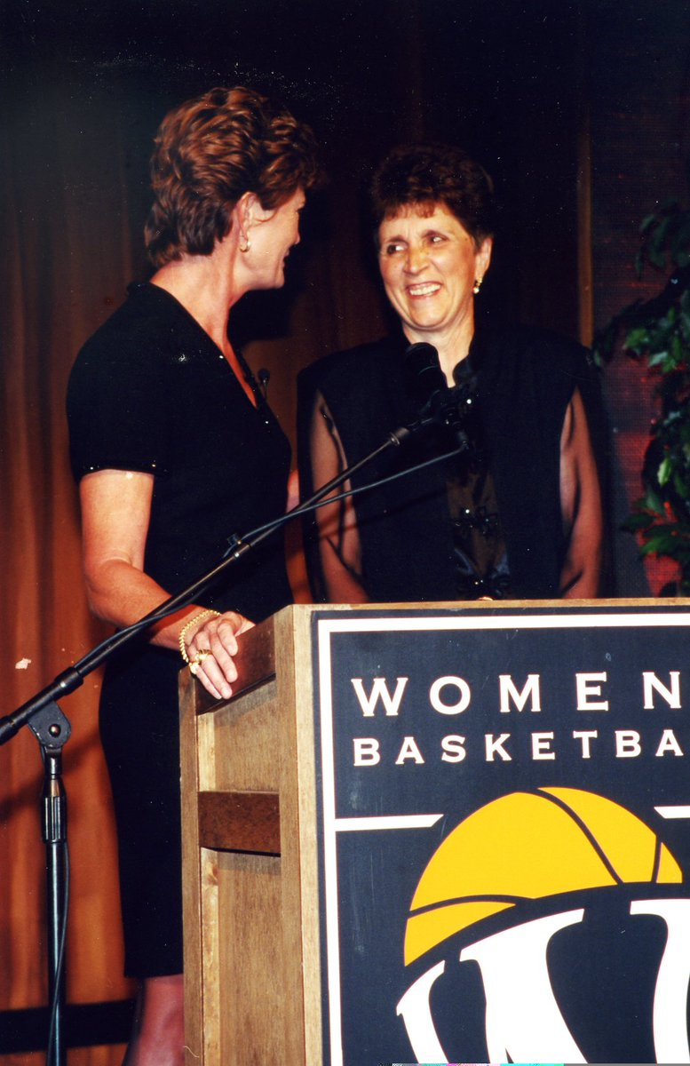 Two legends together at the Women's Basketball Hall of Fame. Rest in peace, Pat Summitt. https://t.co/eKomgMOdGD