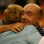 Great photo of @DickieV embracing Pat Summitt at Womens Final Four in Tampa in 2008 from Times Daniel Wallace. https://t.co/jhA99sPX5I