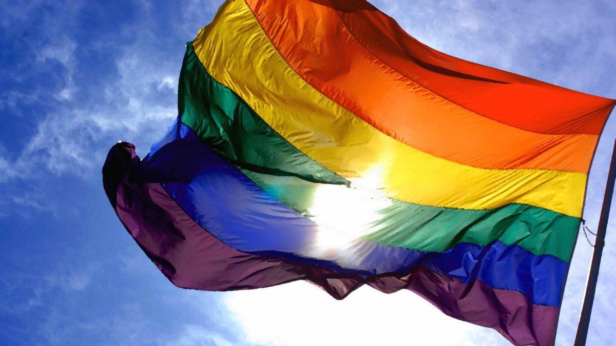 Lo más importante es tener la capacidad de amar y amar con libertad #OrgulloLGBT hay q seguir al❤️,el resto da igual https://t.co/qPR4xZ5VtN