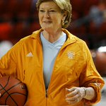 R.I.P To The Legendary Lady Vols Basketball Coach Pat Summitt. She Helped Evolve The Womens Game & Will Be Missed. https://t.co/j4WAXvn6DD