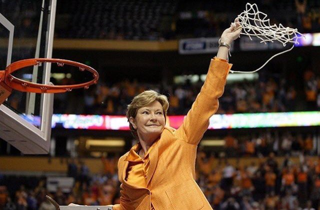 Thank you Pat Summitt for your contributions to women's basketball! #RIPPatSummitt https://t.co/Gx24xPin5v