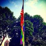 .@JamesCostos: En honor a la Semana del Orgullo #LGBTI #Madrid izamos la bandera Arcoiris en la Embajada de EEUU https://t.co/n49KgVfC5h