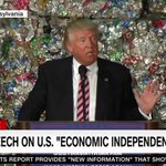Donald Trump is literally giving a speech in front of a pile of garbage: https://t.co/f8oBBRMt4I https://t.co/gkbRlCkZZ7