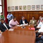 Reunión de trabajo con dirigentes sindicales adheridos a la Confederación de Transportistas de México CTM #Veracruz https://t.co/q7UKCWReIN