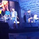@albarru1 lejos la mejor mezcla de música en #Fiesta8090 sos grande @pelucheduenas hay que destacar ???? @radio1071fm https://t.co/I1pkU4AdZ0