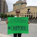 Salma from @FourCornersHC supports #OHIPforAll! #ONPoli #cdnhealth Rally happening now at @Celebration Mississauga https://t.co/hiBjrrReZf