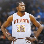 Per @ESPNSteinLine, The Atlanta Hawks are trying to get a meeting with Kevin Durant. #KDToATL https://t.co/ZOIzd9D7es