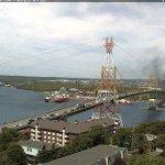 BREAKING: SUV on fire on the MacKay Bridge. (Pic from @nswebcams) https://t.co/9ajYbvCsXA