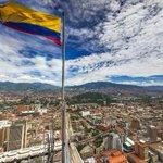 Con una panorámica de 360° le mostramos cómo luce Medellín desde la punta del Edif.Coltejer https://t.co/qiT2GhVPiE https://t.co/nigRhgEj7u