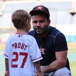 Altuve with a young Trout (now Altuve) fan. #Astros https://t.co/RPBjlkEnlX