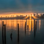 Rise and shine, #Seattle! Todays glorious #sunrise as seen from Alki. #KomoLOZ #photography https://t.co/M6LEhfXG5Q