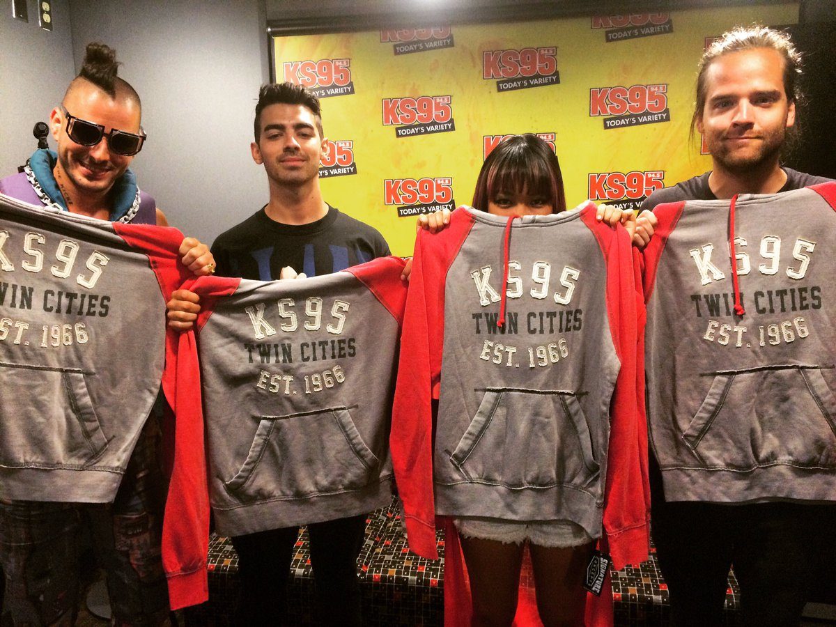 Special thanks to @DNCE for stopping by to see KS95! Stay tuned for the interview on our website!! #DNCE