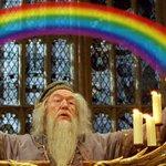 """""""Se Harry Potter nos ensinou alguma coisa, é queninguém deve viver dentrode umarmário"""" Jk Rowling ???? Orgulho LGBT https://t.co/y3k6DIqy1x"""