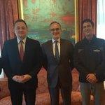 Los ministros de @minplanifica y @CulturasBolivia visitan embajada de España para promocionar inversiones en Bolivia https://t.co/pCMBr0xyva