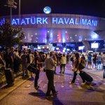 #UltimOra #Attacco aeroporto #Istanbul, scalo evacuato. Sospesi tutti i voli #Canale50 https://t.co/cDqTVlDB0v https://t.co/jx8jtSQ1mt