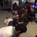 Berita terkini. Serangan di Lapangan terbang Istanbul Atatürk.10 orang terbunuh akibat letupan.   #PrayForTurkey https://t.co/tXeoD6FHPR