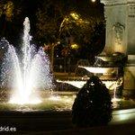 ¡Buenas noches! Rincones de #Madrid con los que te cruzas paseando por la noche por el Paseo del Prado ;) https://t.co/4zN0Ki7tX9