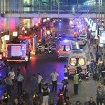 """Attentat à laéroport dIstanbul: au moins 28 morts, """"un acte abominable"""" dénonce Hollande https://t.co/78ETHgopfV https://t.co/VvGb2PpDU8"""