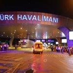 Attentat à l'Aéroport d'#Istanbul : Au moins 28 Morts et 60 Blessés https://t.co/mUmarmh4HK https://t.co/6qf3TBtVJu