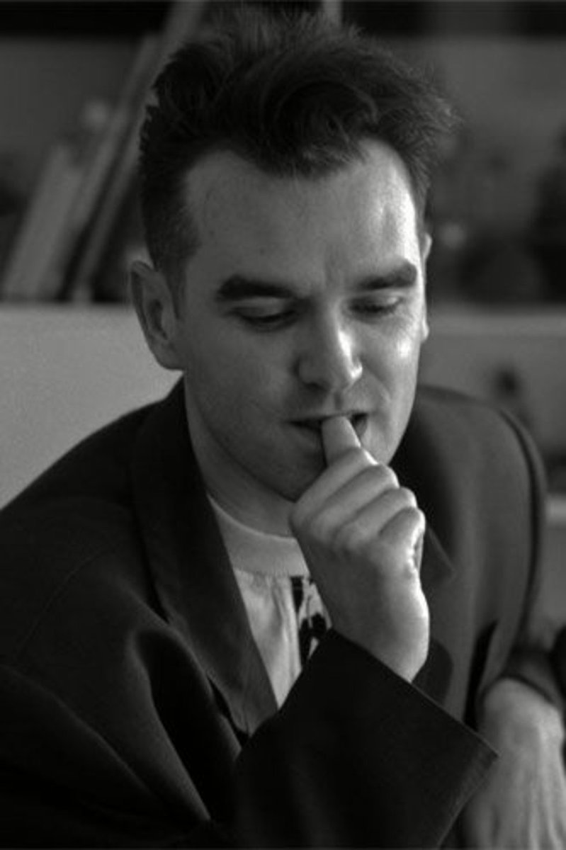 """""""Can you squeeze me  Into an empty page of your diary  And psychologically save me  I've got faith in you""""  #Moz https://t.co/BfcNI8Y3JY"""