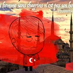 Ce soir on pleure avec nos amis Turcs. #istanbul #prayForTurkey https://t.co/bucPmLy8y6 https://t.co/JJDoIbr7od