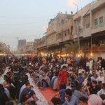 شوارع الكاظمية تتحول الى أكبر مأدبة افطار من بركات حضرة ابو الجوادين (ع) العـراق بيت الكــرم  #ليله_القدر_عراقيه https://t.co/1q9wCfQ8eD