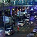 32 muertos y 88 heridos tras ataque armado en aeropuerto de Estambul https://t.co/sj4sQb4lcU https://t.co/sxH2UcmyEe