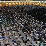 مشاهد من إحياء ليلة القدر في مسجد الكوفة هذه الليلة  #ليله_القدر_عراقيه https://t.co/RLMhomzA2d