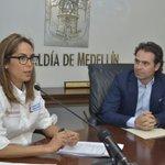 """""""Medellín va a tener el primer colegio público bilingüe, así aportamos a #ColombiaBilingüe"""" @FicoGutierrez https://t.co/fzUZp0IeXz"""