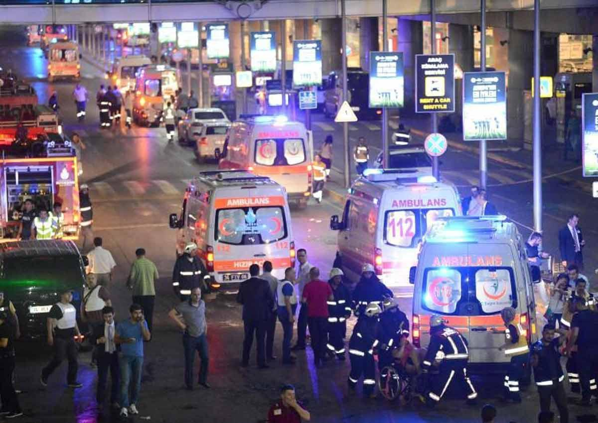 Suicide bombs kill 31, wound 147 at Istanbul airport https://t.co/LYYSsvdu1J https://t.co/Xa2Jsen8SK