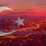 Jviens dapprendre pr Istanbul ???? tristesse, colère et solidarité avec ms amis Turcs. Pensée aux victimes et familles https://t.co/dILVzurDvJ