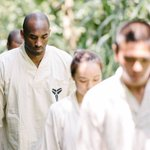 Kobe Bryant is visiting the mountains in Taiwan and basically learning how to become Yoda. That Mamba logo tho. 👀🔥 https://t.co/MJ8O0erKce