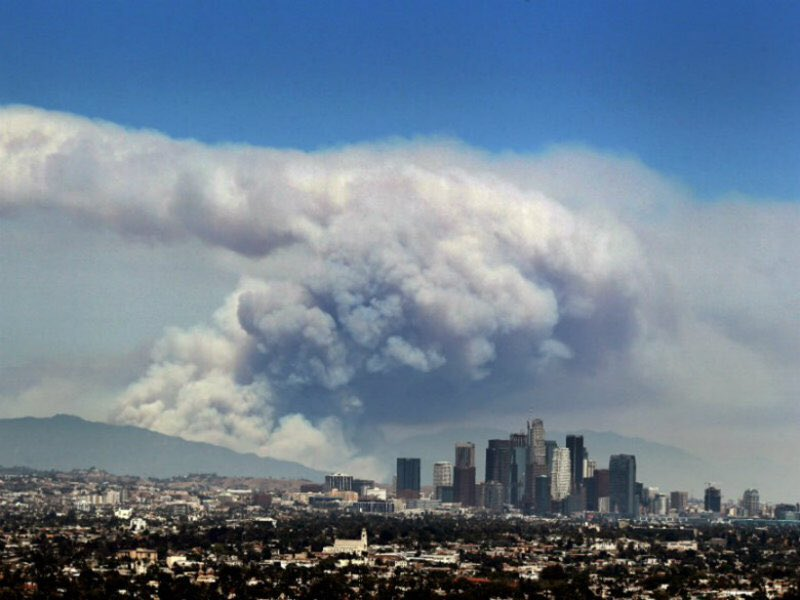"""""""Wildfire season"""" is 100 days longer, fires larger in western U.S. https://t.co/ZdkNeBtSNC #climatechange #wildfires https://t.co/ocT93b8eBe"""
