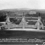 Las estatuas de #LasVirtudes en los años 30. Más #información en https://t.co/OFL80E6Zz3 https://t.co/NZTOgps9Nv