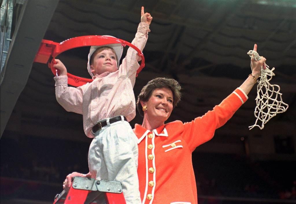 PHOTOS: Highlights from Pat Summitt's legendary basketball career