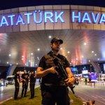 Turquie : 36 tués dans un triple attentat-suicide, lEI suspecté https://t.co/GbH2r9VZun https://t.co/q9RLFiwfvt